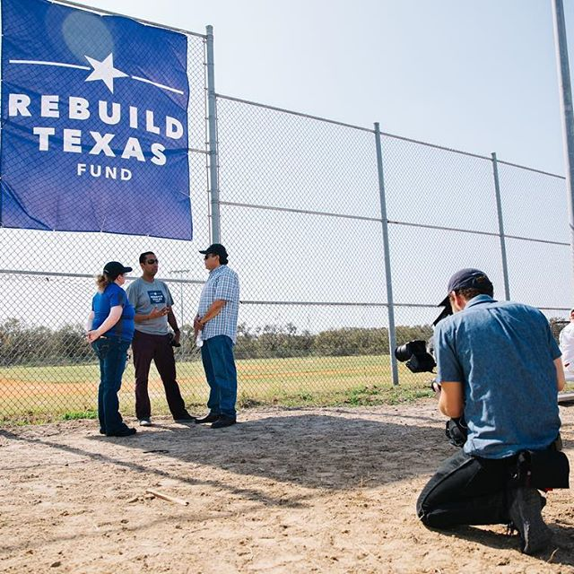How does the Rebuild Texas Fund get their head in the game? By repairing community baseball fields! 🎥⚾️💛 We love working with organizations that have a true sense of purpose and dedication to those in need. Here's a behind-the-scenes photo from our shoot in Ingleside, TX. ~~~~~~#RebuildTX #baseball #hurricaneHarvey #texasstrong #camera #film #filming #vsco #vscocam #filmlife #photography #atxlife #digitalmarketing #photooftheday #nonprofit #setlife #productionlife #shooting #behindthescenes #bts #filmmaking #videography